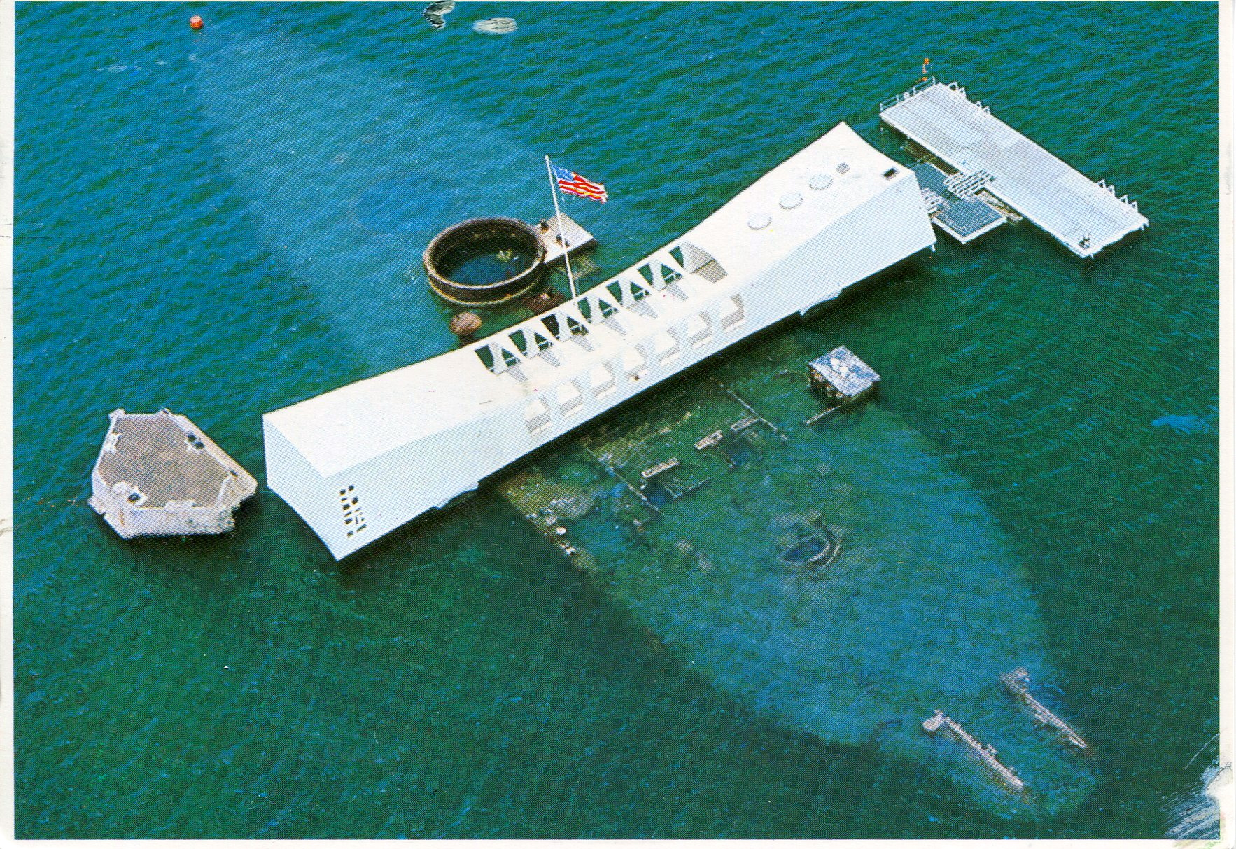 usa-hawaii-uss-arizona-memorial